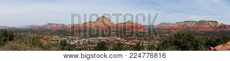 Iconic Sedona, Arizona red rock mountain range. Panoramic view from near the Sedona airport.