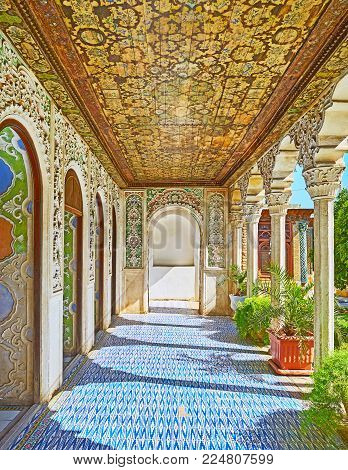 Shiraz, Iran - October 12, 2017: The Picturesque Patterns In Covered Galley Of Zinat Ol-molk Mansion