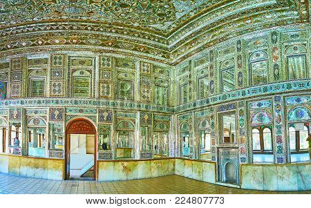 Shiraz, Iran - October 12, 2017: Panorama Of Mirror Hall Of Zinat Ol-molk Mansion With Complex Patte
