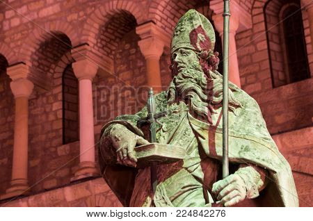 Mainz, Germany - September 22: Mainz Cathedral With Statue The Of Saint Boniface During Night On Sep