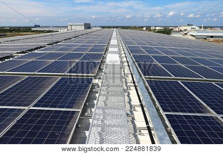 Large Scale Solar PV Rooftop System with walkway