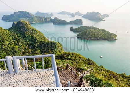 Podium viewpoint on peak mountain at Ko Wua Ta Lap island and high angle view beautiful nature landscape of island and sea in Mu Ko Ang Thong National Marine Park, Surat Thani, Thailand