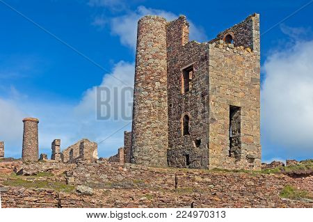 Wheal Coates Cornish tin mine ruins near St Agnes, Cornwall, UK