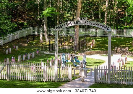 Mackinac Island Mi /usa - July 9th 2016: Historic Fort Mackinac Cemetery On Mackinac Island Michigan