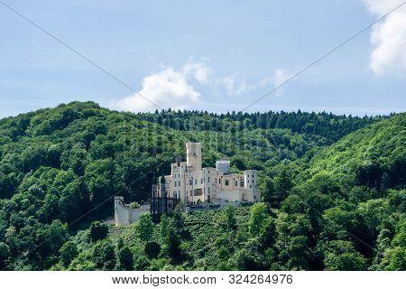 Castle Stolzenfels Im Rheintal Am Rhein In Deutschland Bei Blauen Himmel