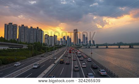 Time Lapse Traffic At Sunset   Seoul City South Korea