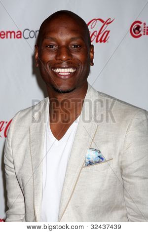 LAS VEGAS - APR 26:  Tyrese Gibson arrives at the CinemaCon 2012 Talent Awards at Caesars Palace on April 26, 2012 in Las Vegas, NV