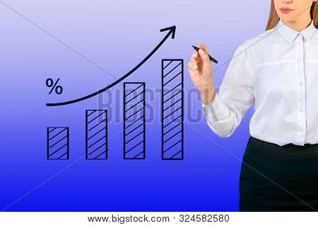 Business Woman With Chart Showing Growth. Finance Graf.