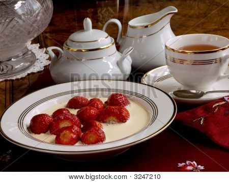 Strawberries With Cream.