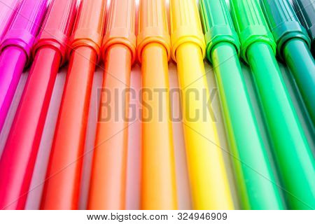 Bright Color Felt-tip Pens. Back To School. Education. The Art Of Drawing. Office Tools. Stationery.