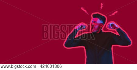 Do Not Miss. Young Casual Man Shouting. Shout. Crying Emotional Man Screaming On Pink Studio Backgro