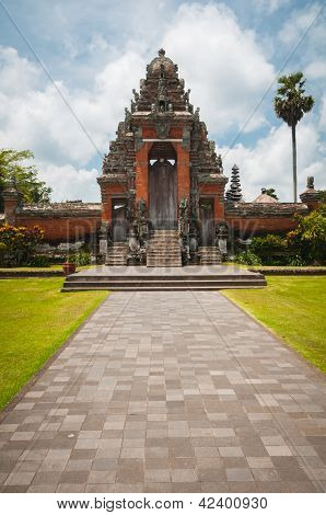 Main Gate To Pura Taman Ayun