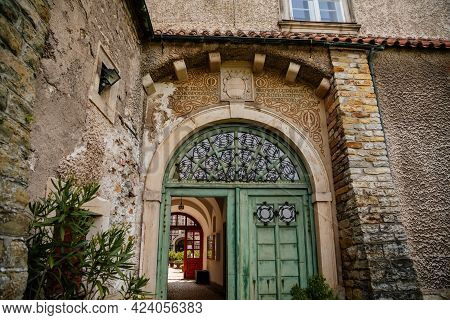 Old Vintage Green Wooden Front Door, Arches, Lattice Gates, Architectural Decoration Of Buildings, B