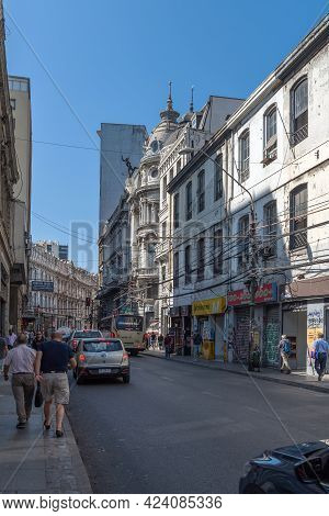 Valparaiso, Chile-february 27, 2020: View Of The Streets In The Historic Center Of Valparaiso, Chile