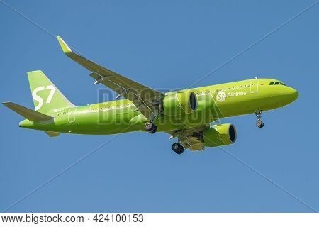 Saint Petersburg, Russia - May 29, 2021: Airbus A320-271n (vp-bvj) Of S7 Airlines In A Cloudless Sky