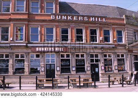 Nottingham, Nottinghamshire, England- June 1, 2021. The Pub Bunkers Hill Exterior Building On A Sunn