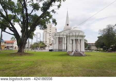 Penang, Malaysia.  August 20, 2017. The Lawn And Exterior Of The Landmark St Georges Angelican Churc