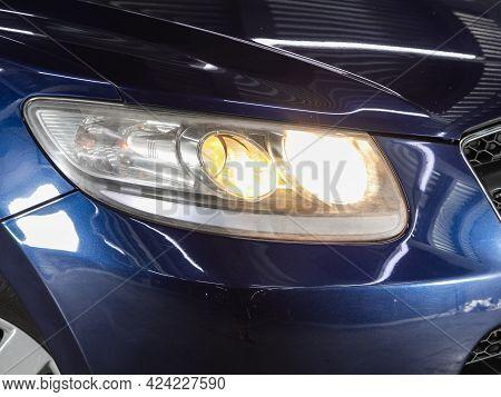 Novosibirsk, Russia - June 19, 2021:hyundai Santa Fe,  Close Up Of The Car Headlights. Exterior Clos
