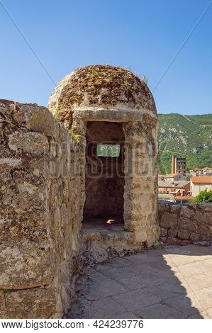 Ancient Fortification. Montenegro, Old Town Of Kotor - Unesco World Heritage Site. Gurdic Bastion, D
