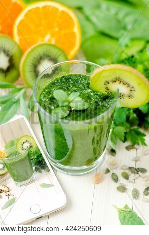 Detox Drinks Help In Flushing Out Toxins From The Body And Boost The Body's Metabolism
