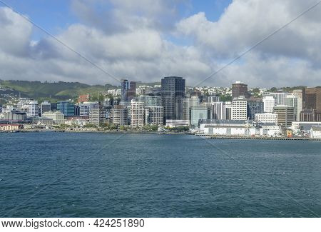 Waterside Impression Around Oriental Bay In Wellington, The Capital City Of New Zealand