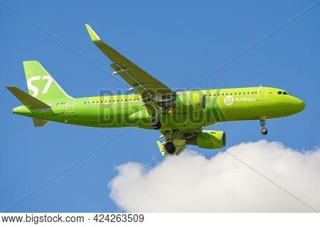 Saint Petersburg, Russia - May 29, 2021: Airbus A320-214 (vp-boj) Of S7 Airlines Before Landing On T