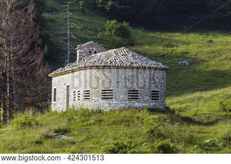 Colonei Di Pesina Mountain Hut. The Hut Retains All The Characteristic Elements Of The Original Terr