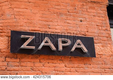 Toulouse , Occitanie France - 06 16 2021 : Zapa Logo And Sign Text Front Of Store Fashion Brand Clot