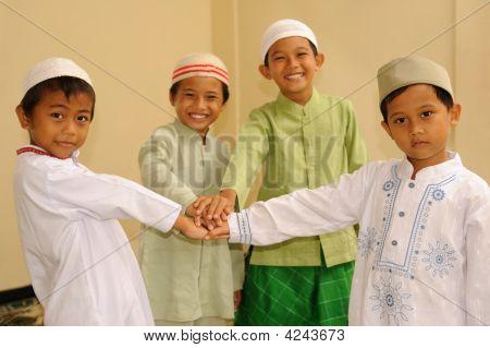Friendship, Muslim Kids