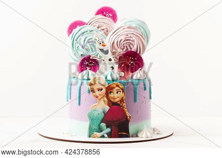 Disney Character Elsa With Sister Anna And Her Friend Olaf Snowman Cookies On The Top Of Birthday Ca