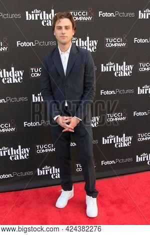 LOS ANGELES - JUN 16:  Sterling Beaumon at The Birthday Cake LA Premiere at the Fine Arts Theater on June 16, 2021 in Beverly Hills, CA