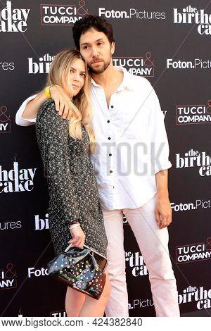 LOS ANGELES - JUN 16:  Lauren Stemmer, Matthew Daniel Siskin at The Birthday Cake LA Premiere at the Fine Arts Theater on June 16, 2021 in Beverly Hills, CA