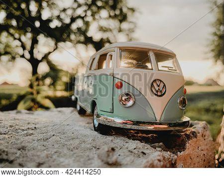 California, Usa - 21.06.2021: 1963 Volkswagen Bus Double Cab Pickup Outdoor.