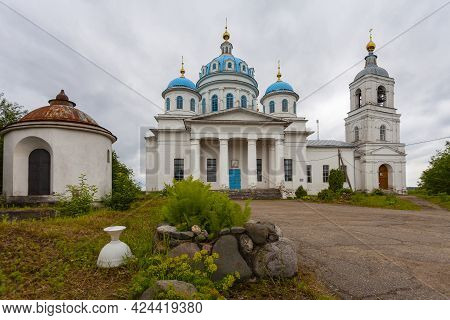 Church Of The Descent Of The Saint In Novoye Selo, Pereslavsky District, Russia.