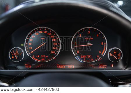 Novosibirsk, Russia - June 19, 2021: Bmw X6, Car Panel, Digital Bright Speedometer, Odometer And Oth