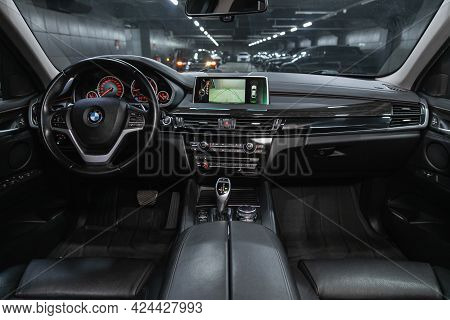 Novosibirsk, Russia - June 19, 2021: Bmw X6, Steering Wheel, Shift Lever, Multimedia  Systeme, Drive