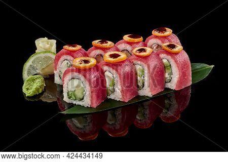 Philadelphia Rolls With Tuna, Kumquat And Unagi Sauce