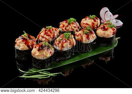 Makizushi With Raw Salmon Tartare And Unagi Sauce
