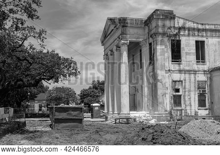 New Orleans, La - June 14: Historic Carrollton Courthouse During Renovation Project To Convert To A