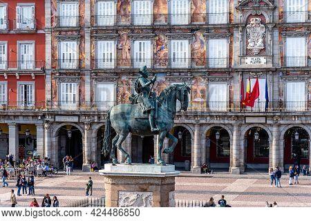Madrid, Spain - April 17, 2021: King Philip Iii Equestrian Statue In Plaza Mayor Square In Madrid, S