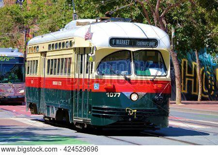 June 7,  2021 In San Francisco, Ca:  Vintage Street Car On Market Street Taken In San Francisco, Ca