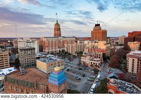 San Antonio, Texas, USA downtown city skyline in the morning.