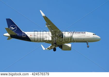 Saint Petersburg, Russia - May 29, 2021: Airbus A320neo (d-ailn) Of Lufthansa Airlines On The Glide