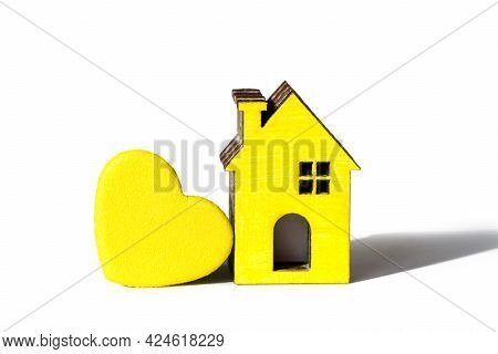 Yellow Heart, Yellow House Isolated On White. Love Home. Take Me Home Concept. Adopt Pets. Adoption