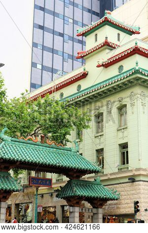 June 8, 2021 In San Francisco, Ca:  Dragons Gate Landmark Which Is The Primary Entrance To Chinatown