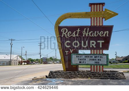 Springfield, Missouri - May 5, 2021: The Famous Neon Sign - Rest Haven Court,  A Motel Along Histori