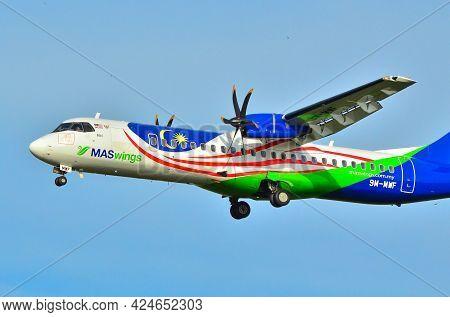 Labuan Ft,malaysia-may 1,2021:maswings Aircraft Atr 72-500,9m-mwf Display The Malaysian National Fla