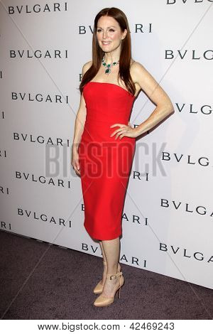 LOS ANGELES - FEB 19:  Julianne Moore arrives at the BVLGARI Celebrates Elizabeth Taylor's Jewelry Collection at the BVLGARI on February 19, 2013 in Beverly Hills, CA