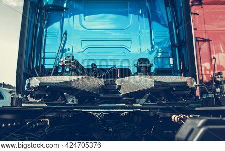 Semi Truck Fifth Wheel Saddle. Rear Of Tractor Truck. Trailer Connection Type. Heavy Duty Transporta