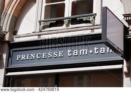 Toulouse , Occitanie France - 06 20 2021 : Princesse Tam Tam Paris Logo Fashion Store Sign And Brand